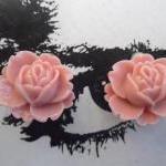 CLIP ON Peach Pink Vintage Resin Pe..